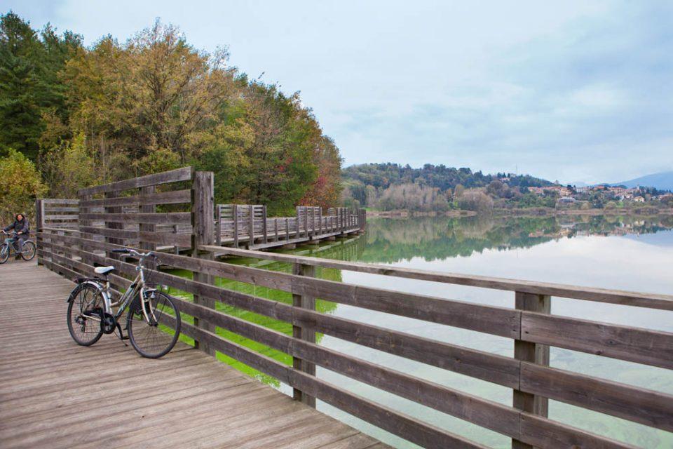 la pista ciclabile del lago di Comabbio